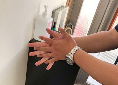 手指消毒2.jpeg